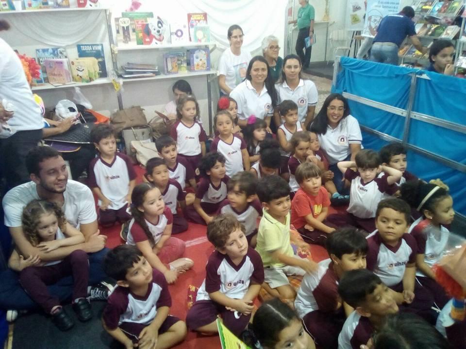 Visita dos estudantes da Edu. Infantil na Bienal